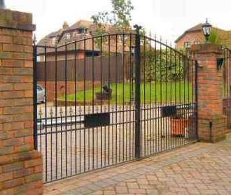 Estate Gate04